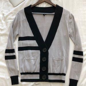 Grey cardigan with black stripes